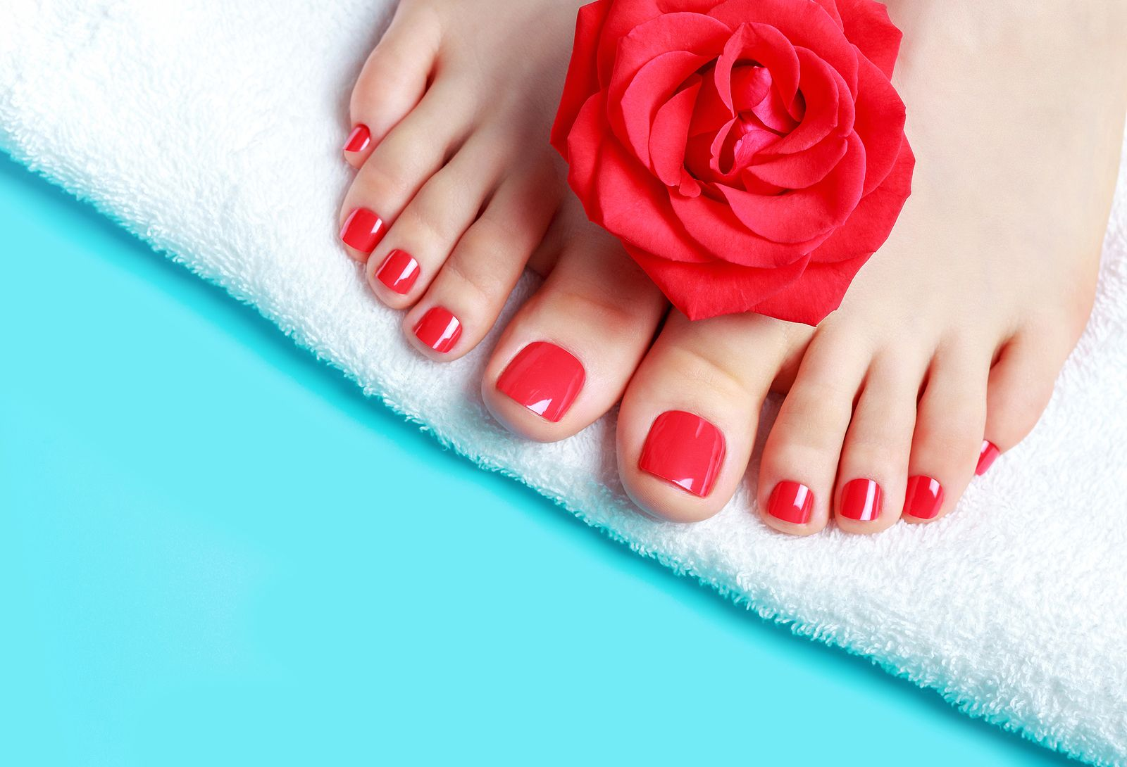 downtown Indianapolis nail services, manicure, waxing